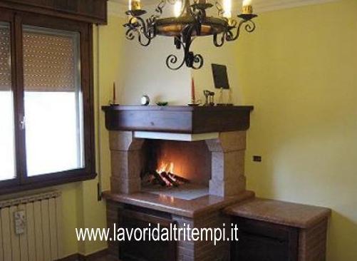 Caminetto ad angolo da cottura in marmo spazzacamino for Caminetto ad angolo contemporaneo